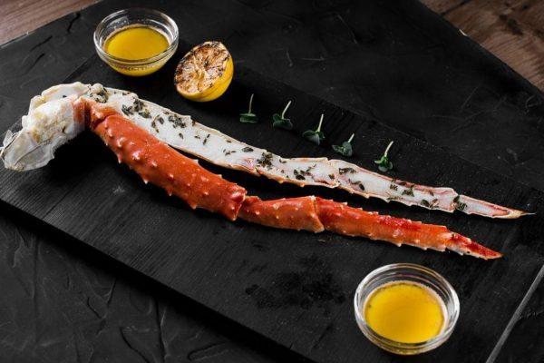 Buy King Crab Cooked Leg Shell on frozen Caviar Heritage Dubai